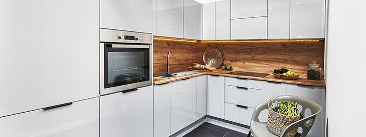 Szara kuchnia w nowoczesnym stylu
