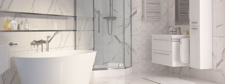 Duża łazienka w bieli