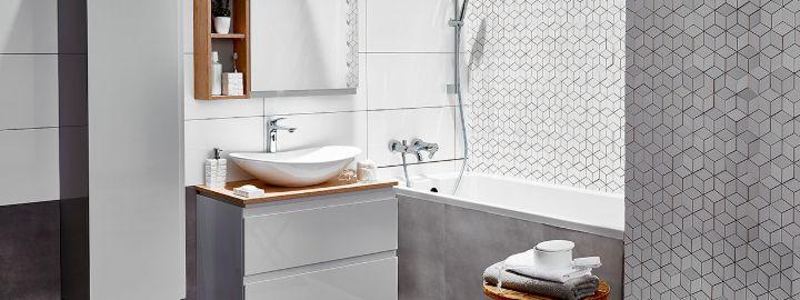 Jasnoszara łazienka z heksagonami