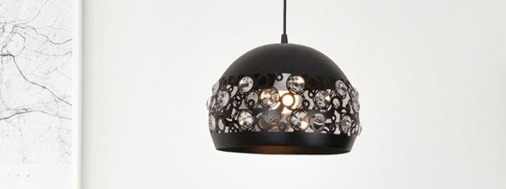 Lampa glamour w skandynawskiej sypialni