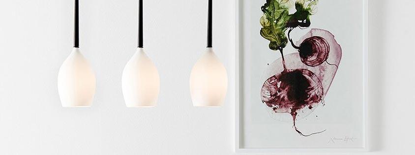 Szklana lampa do minimalistycznej jadalni