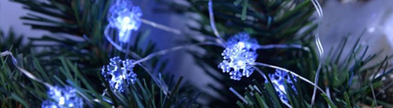 Jak wykorzystać lampki świąteczne do dekoracji domu i choinki?