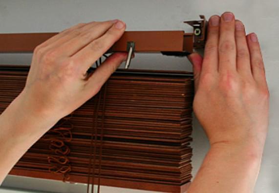 Jak zamontować rolety lub żaluzje